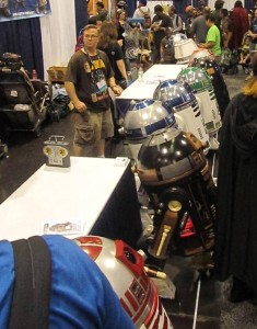 R2 units on display by the R2 Builders at Wondercon 2014